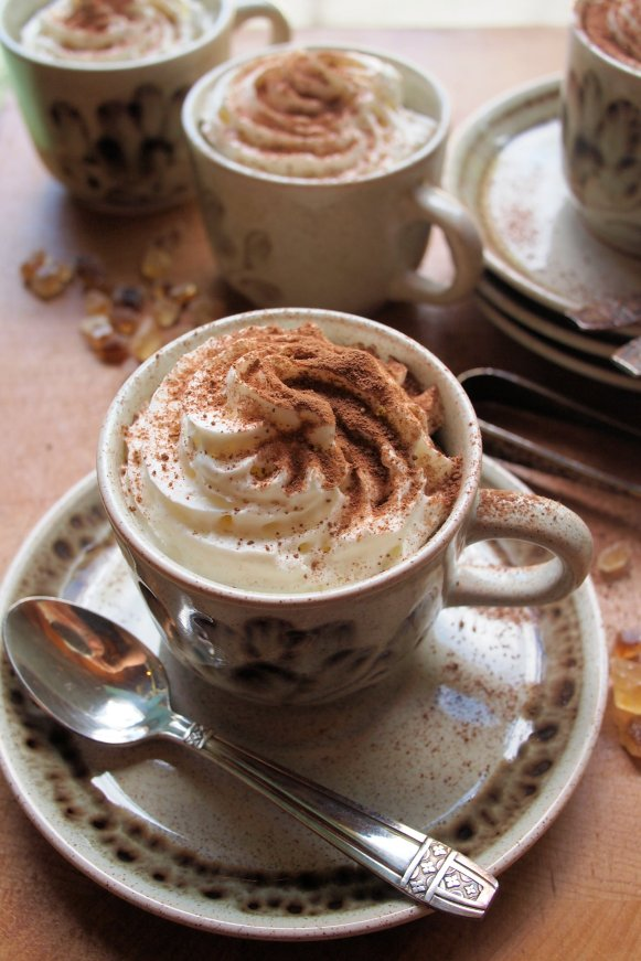 Little Coffee Cup Chocolate-Chip Cakes with Vanilla Cream Froth