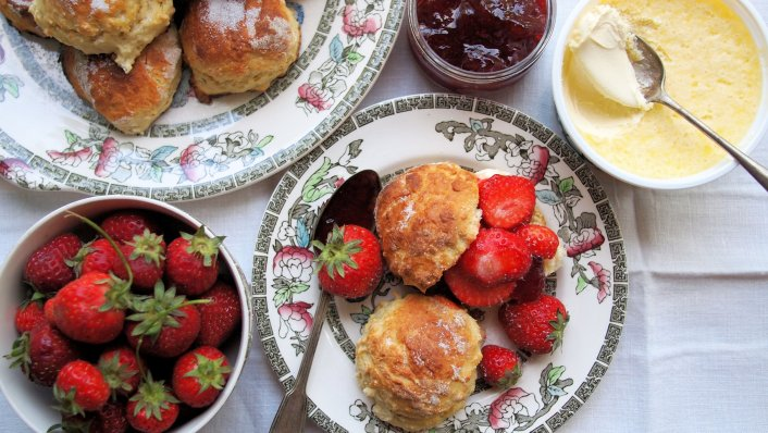 Low Calorie Vanilla Bean Scones for a Wimbledon Strawberries & Cream Tea