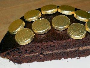 My Elizabeth Shaw GOLD MEDAL cake