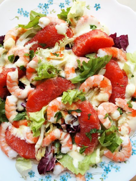Pink Grapefruit and Prawn Salad suitable for 5:2 and Weight Watchers