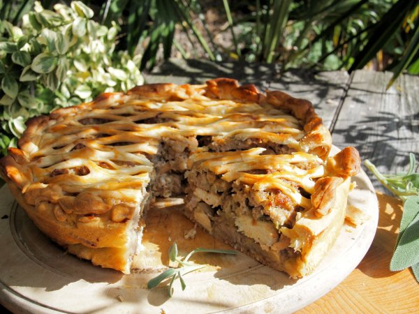 Chicken, Sausage and Mushroom Pie