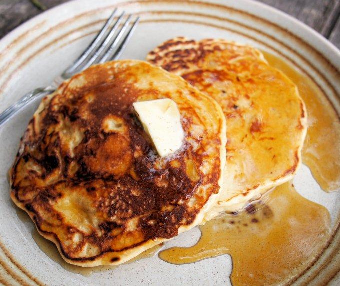 Fluffy Porridge Pancakes with Beech Forest Honeydew Honey