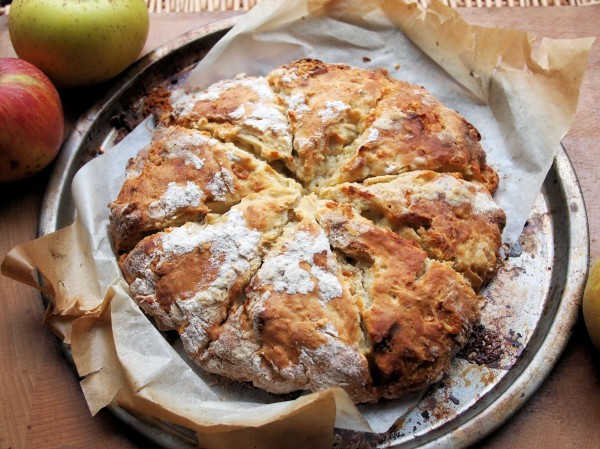 Apple & Dorset Blue Vinny Scone Bread Recipe