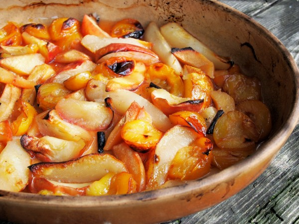 Baked Orchard Fruits with Vanilla and Honey