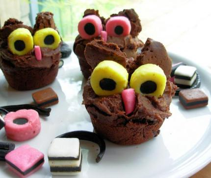 Twit Woo Hooting Halloween Owl Cupcakes