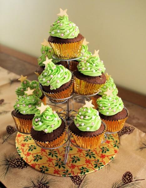 Tea Time Treats, Chocolate & Little Spiced Chocolate Christmas Tree Cakes Recipe