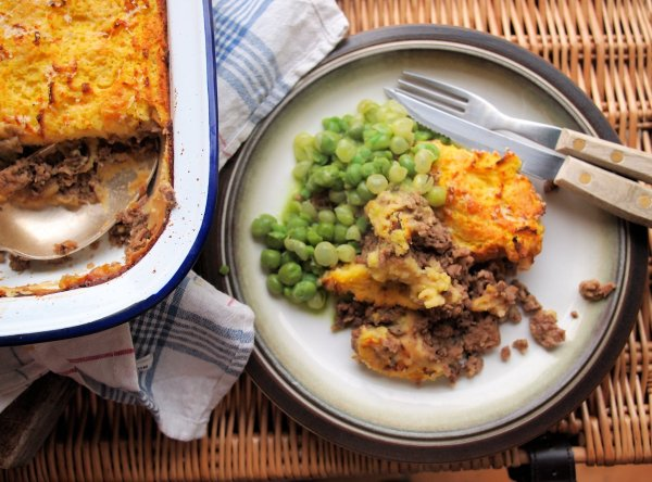 A Family Favourite and Winter Warmer: Traditional Cottage Pie with Cheesy Mash (Recipe)