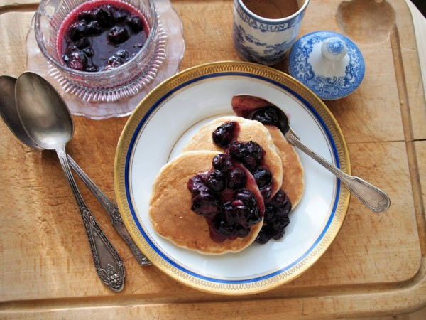 5:2 Fast Day Blueberry and Oat Pancakes with Cinnamon