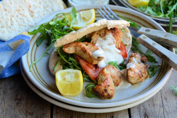 5:2 Diet 215 Calorie Kebabs! Cajun Chicken Kebab and Spiced Yoghurt Dip Recipe