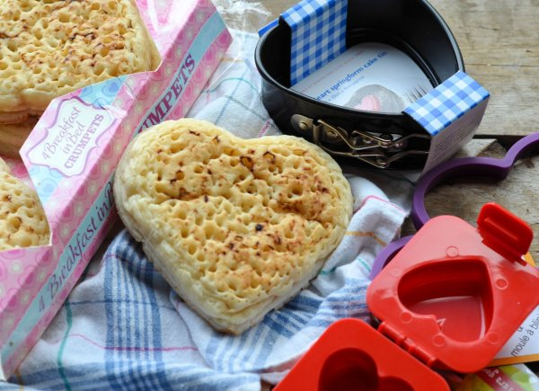 Breakfast in Bed with Hearts, Eggs and Crumpets! A Valentine's Day Preview of Gadgets & Food
