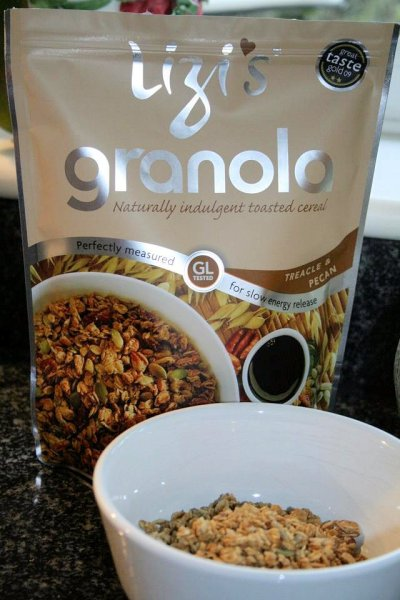 Review: An English, Italian and Fairtrade Breakfast with Granola, Honey and Coffee