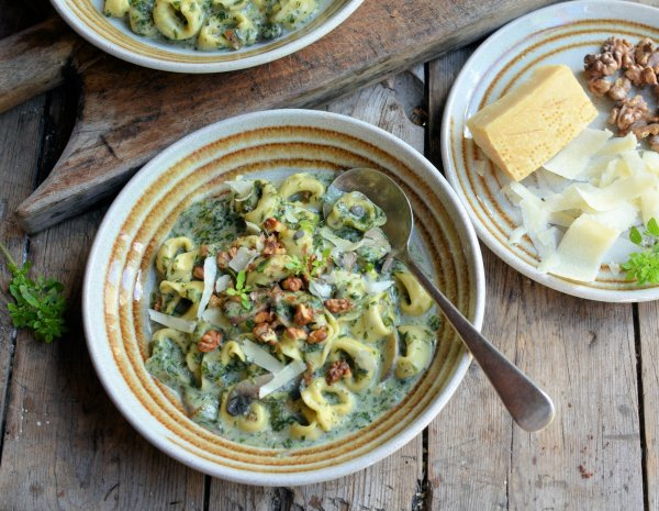 The Secret Recipe Club: Creamy Tortellini, Mushroom and Spinach Soup