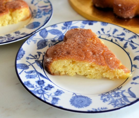 Easy Peasy Lemon Squeezie All-In-One Lemon Drizzle Cake