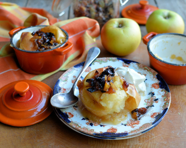 Duvet Apples & White Mornings! Festive Baked Apples with Mincemeat and Honey
