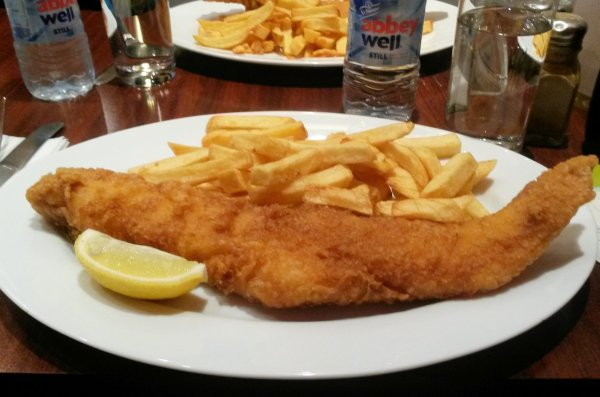 "Celebrate ""Chip Week""! My Day at Award Winning Chippy ""Fish Bone"" in London"