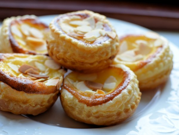 Almond and Vanilla Custard Tarts