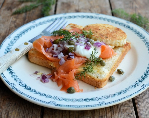 """Saturday Breakfast and Brunch Memories: Smoked Salmon """"Egg in a Basket"""" (Egg in a Hole)"""