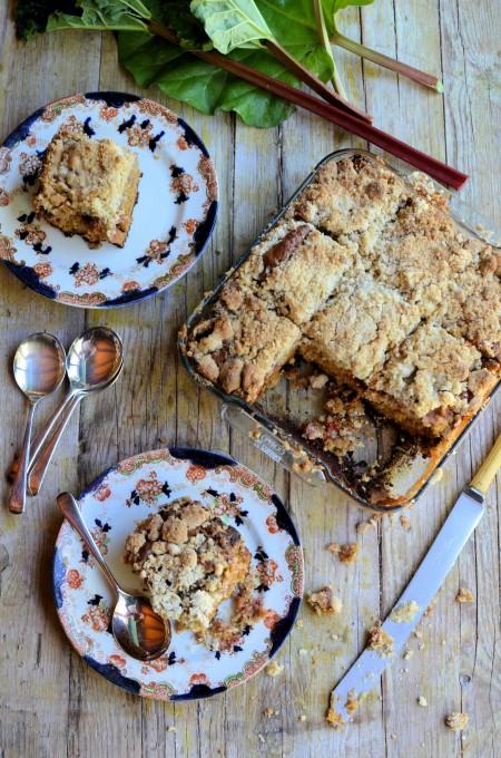 Baking Treats for Britain: Rhubarb Crumble Tray-Bake Cake
