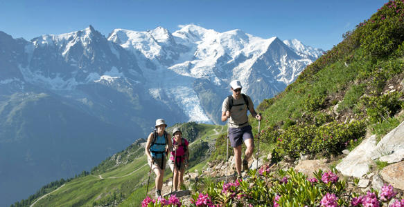 Walking in the Col-du-lac-de-Cornu, Savoy