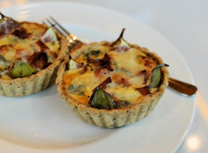 Fig, Lardon and Dolcelatte tarts with Walnut Pastry