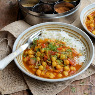 Chole Chaat is a spicy Indian chickpea curry made with a base of fresh ginger, garlic and tomatoes; serve with steamed Basmati rice and assorted sambals.
