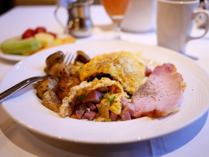 Breakfast at The Fort Garry