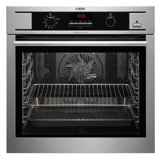 AEG Multifunction Ovens with SteamBake - BP530450KM with Pyrolitic Cleaning £499