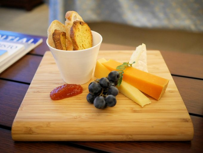 Welcome snack at Shangri-La Hote