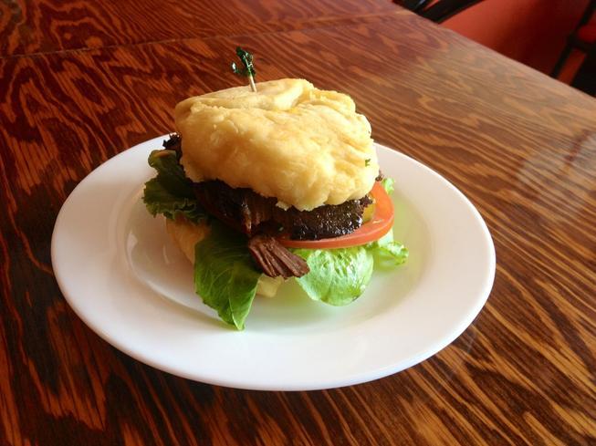 Tea'n'Bannock Burger