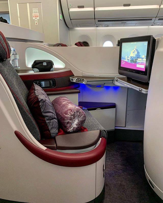 Airbus 350-100 Qatar Airways Business Class Cabin