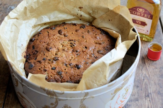"With only just under six weeks to go until the Big Day, that's Christmas Day, now is the time to make your Christmas Cake! I make mine anytime between the end of October and Mid November, in an attempt to get it ""fed"" with plenty of brandy, which results in a moist, rich and fruity cake that all my family (and friends) love."