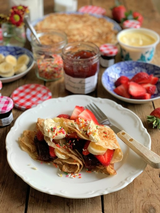 strawberries and cream pancakes (