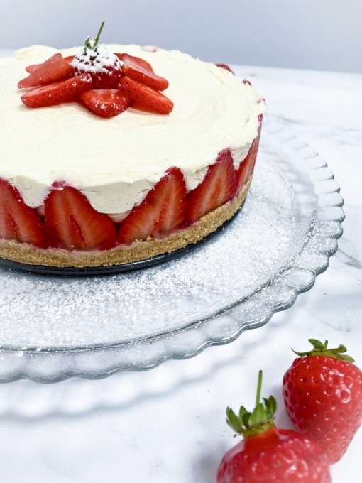 No Bake Strawberry Cheesecake by Easy Peasy Lemon Squeezy