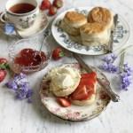 Royal Teas - Seasonal Recipes from Buckingham Palace.