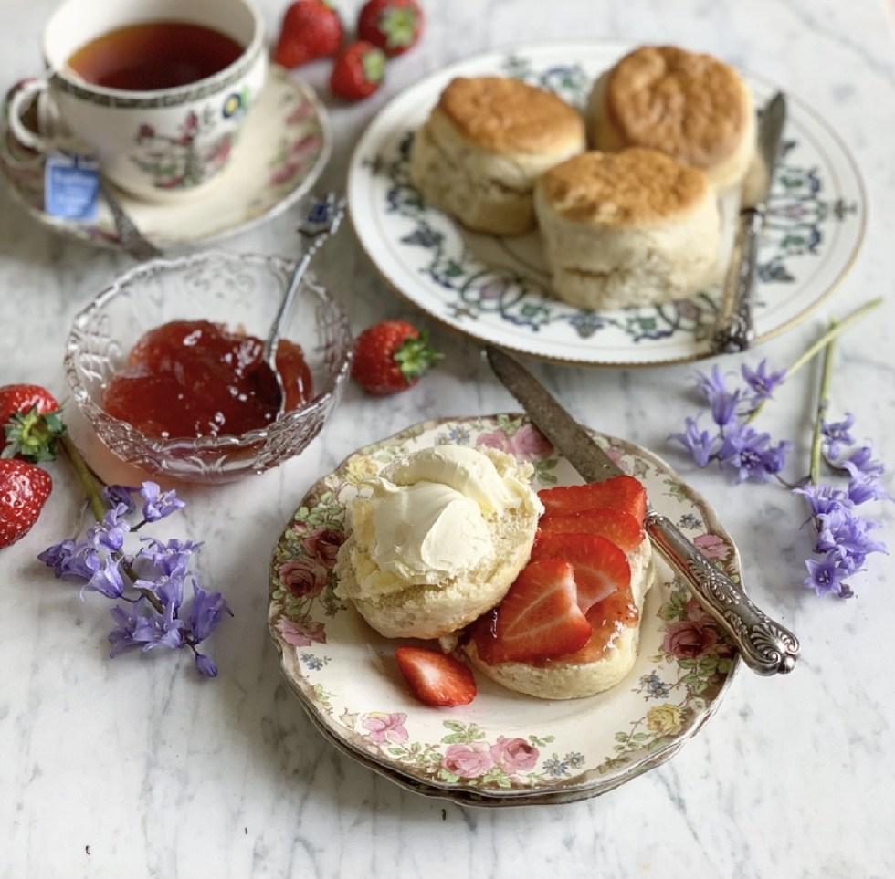 Small Batch Cream Tea Scones