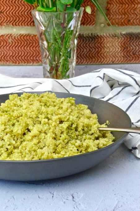 Fluffy Quinoa With Pesto