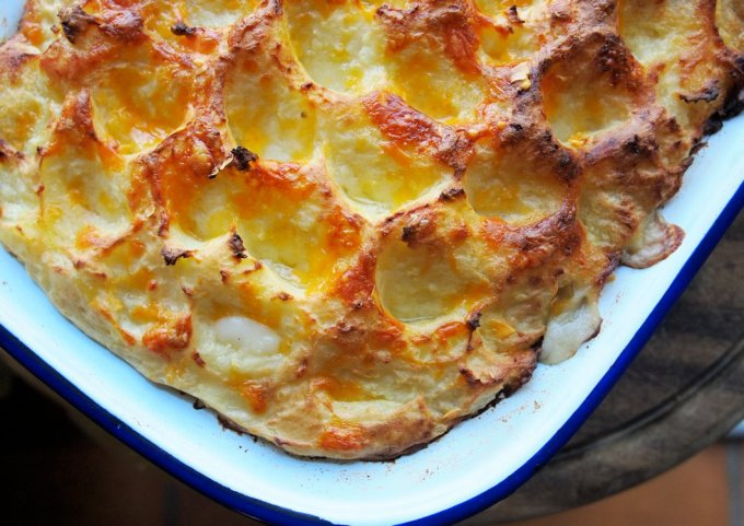 Old-Fashioned Fish Pie with Cheesy Mash