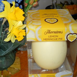 Lemon Meringue Pie in Chocolate! Thorntons British Pudding Easter Eggs – A Delightful Review.