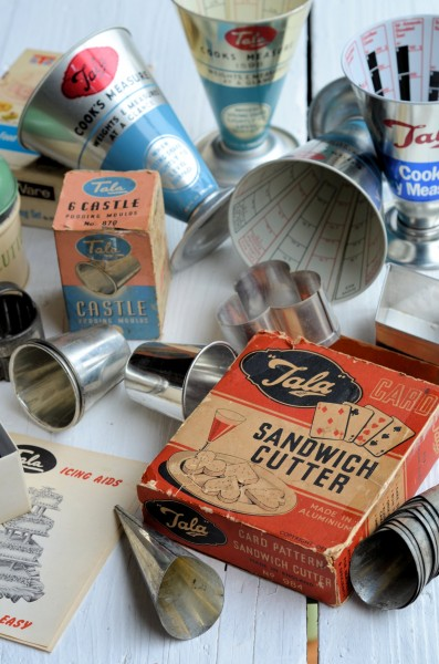 """""""Made in England"""" Vintage Kitchenalia: Old Tins, Icing Sets and Measuring Cones with Tala"""