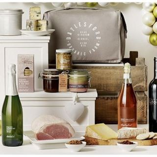 Giveaway: Win a Luxury Daylesford Organic Hamper (RRP £175) with Cunard