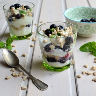 Betavivo Blueberry & Yoghurt Breakfast Pots: Recipe, Review and Giveaway