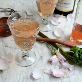 The Guild of Food Writers Awards 2015: Rhubarb and Rose Champagne Cocktails