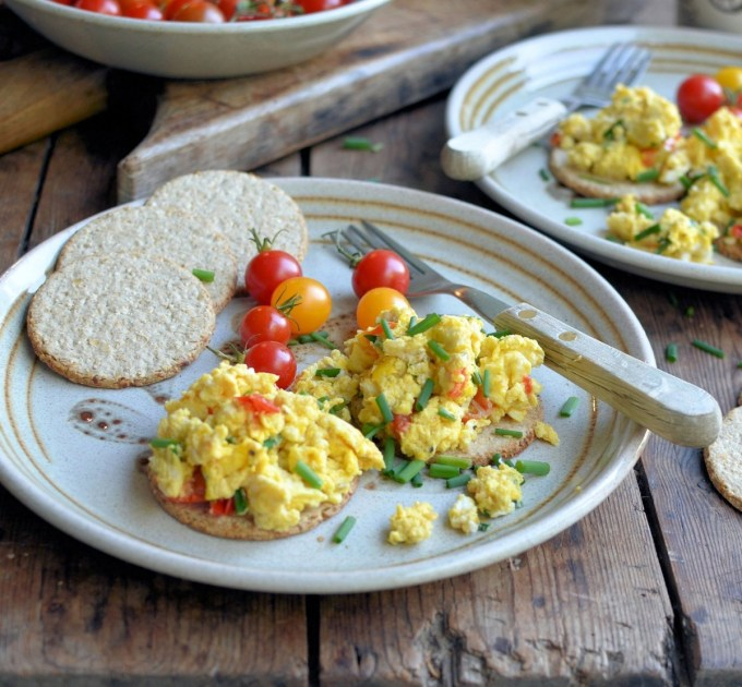 Scrambled Eggs on Oatcakes with Chives & Cherry Tomatoes