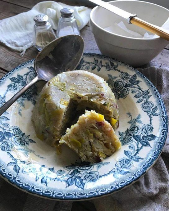 A Northumbrian speciality tonight as the mercury plummets after a warm and sunny day, Steamed Leek & Bacon Suet Pudding. In a long line of British puddings, both sweet and savoury, this ranks in my top five favourites. Served with onion gravy for a delicious and homely tea. I'm not sure why steamed puddings aren't more popular, as this pudding has been steaming away quite happily whilst I've been unpacking more boxes and cleaning.