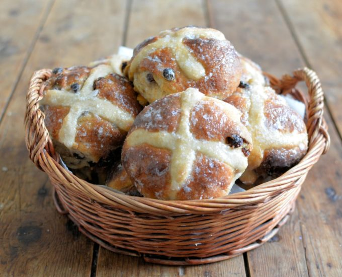 Easy No Knead Sourdough Hot Cross Buns