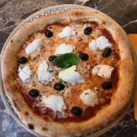 Pizza Margherita e bufala
