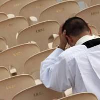 La crisi della Vita Consacrata: occasione per una sfida al mondo (Il mondo rovesciato 2)
