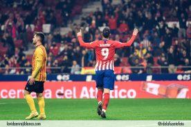 Kalinic celebra su primer tanto en el Atleti. Foto: Rubén de la Fuente
