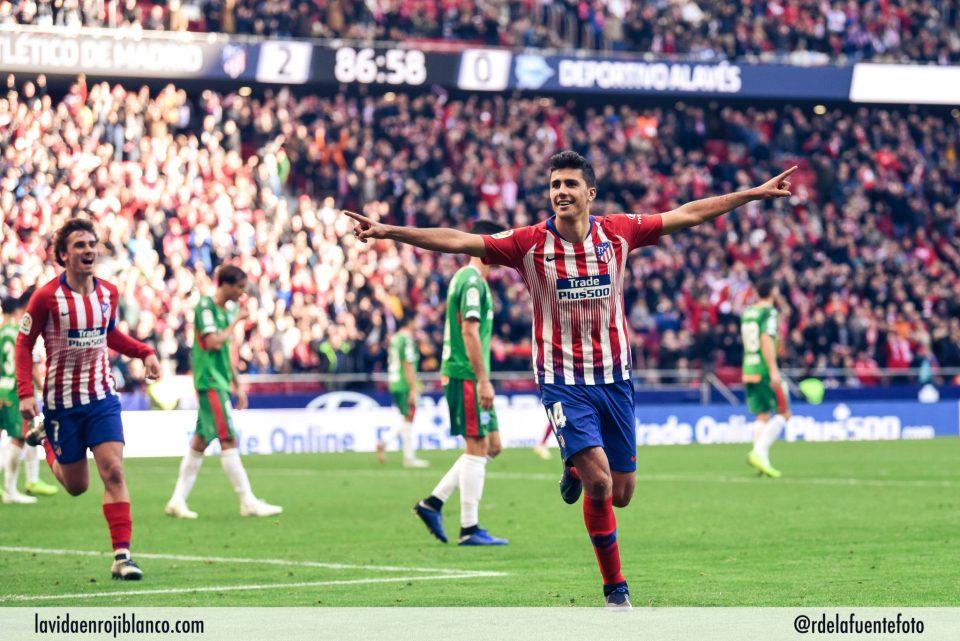 Rodri celebra el tercer gol frente al Alavés. Foto: Rubén de la Fuente