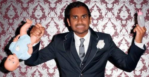 Ansari habla sobre tener un hijo en su monólogo Buried Alive